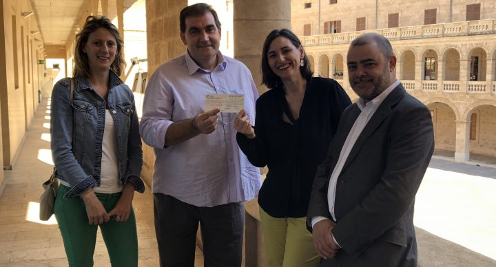 Petits Cellers y el Consell de Mallorca entregan la recaudación solidaria de la Nit del Vi a Fundació Vicente Ferrer