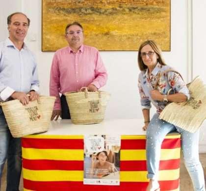 Toni Fuster visita Muro con motivo de la campaña #ViuMallorquinament