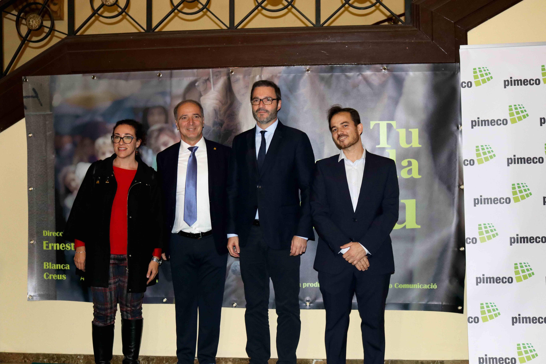 El presidente de Pimeco, Toni Fuster, y el director Ernest Riera con el alcalde de Palma, José Hila.